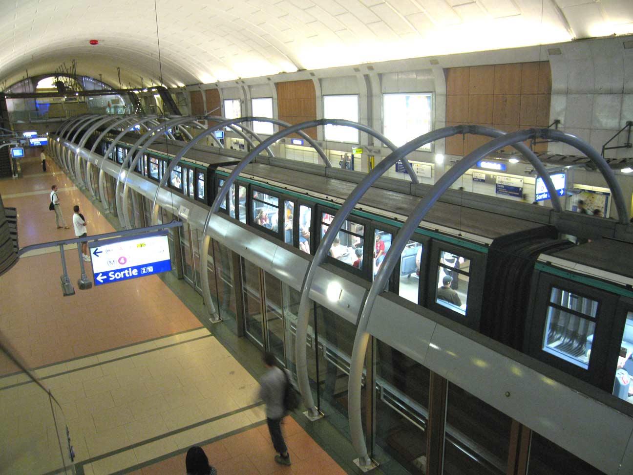 Metro-Paris-Ligne-4-2-Stati