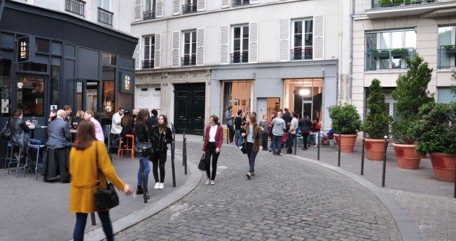 Parijs-cour-des-petites-ecuries-klein