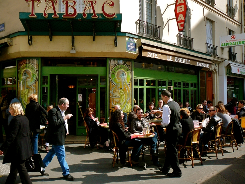 Place de Levis-Cafe Sauret