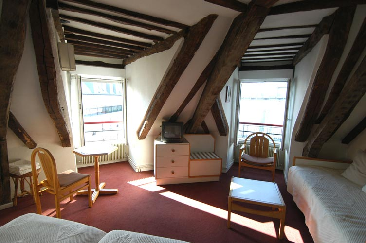 Room_Hotel_des_3_Colleges_9