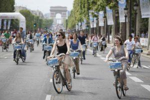 autolozezondagparijs-fietsen